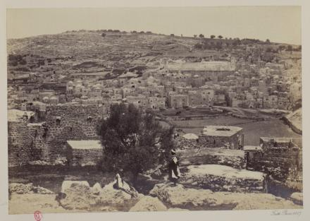 Francis Frith, Hebron with mosque covering the Cave of Macpelah, photographie, bibliothèque de l'INHA, Fol Est 739, f. 8. Cliché INHA